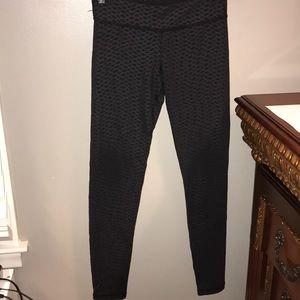 black ivivva leggings w detail